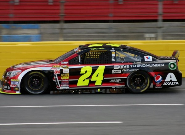Jeff Gordon ran up front for most of the night and finished 7th.  [Everet Kamikawa photo]
