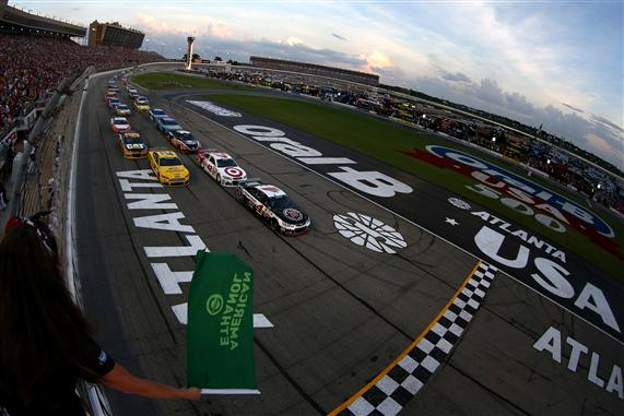 Kevin Harvick leads the field through the green flag at Atlanta Motor Speedway.  [Credit: Todd Warshaw/NASCAR via Getty Images]