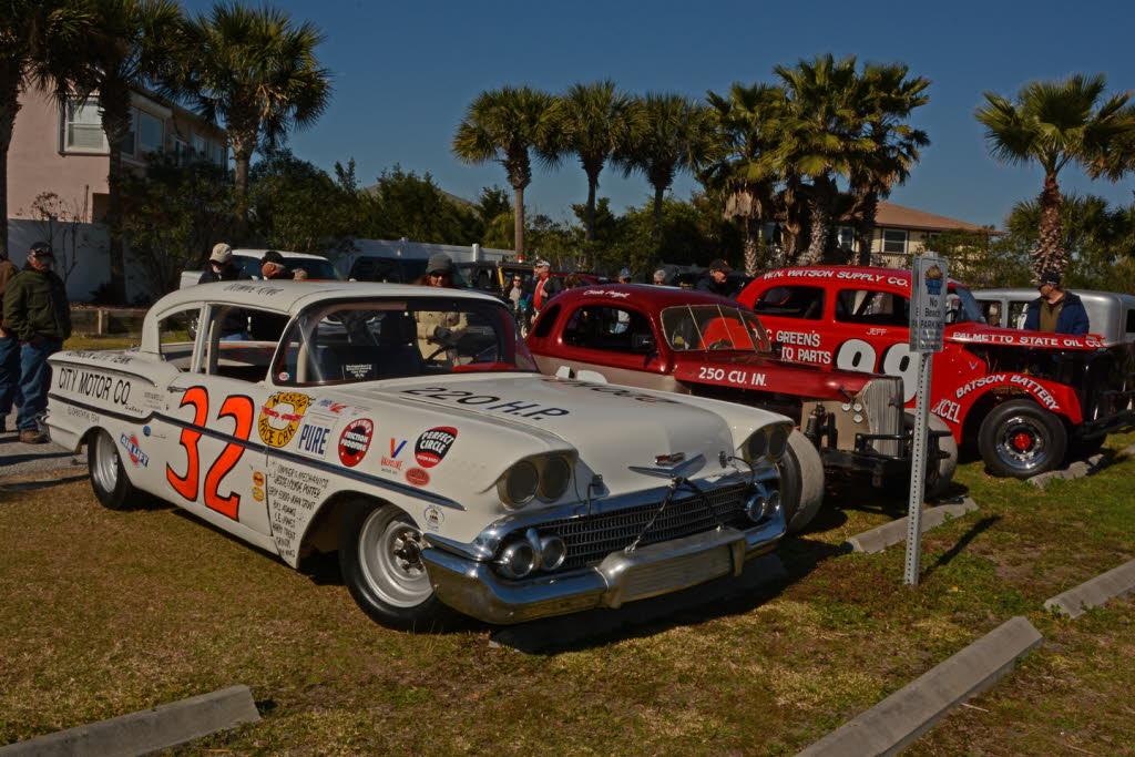 Vintage Racers And Fans Enjoy The Old Days Daytona Beach ...