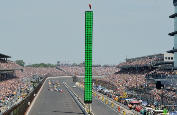 Green flag for the start of the 99th Indianapolis 500. [Russ Lake Photo]
