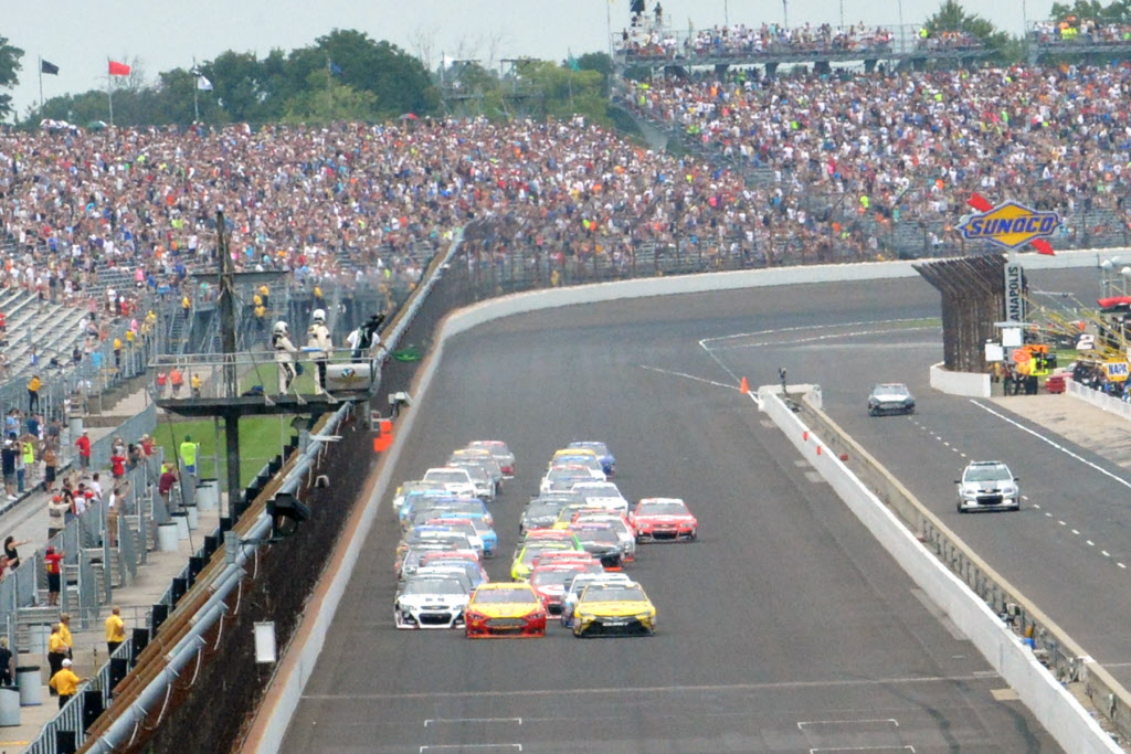 The start of the 2015 Crown Royal Presents The Jeff Kyle 400 at The Brickyard. [Russ Lake Photo]