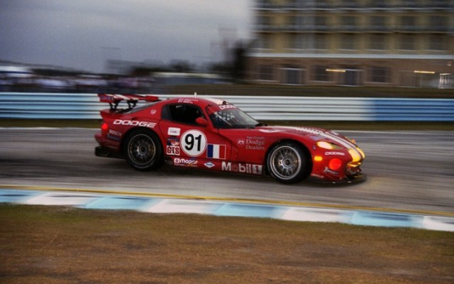 Viper at Sebring in 2000. Original 35mm color negative.  [Photo by Jack Webster]