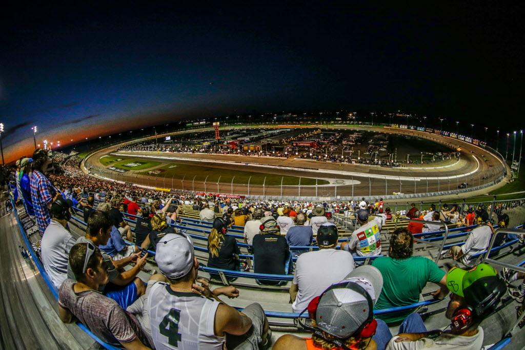 Josef Newgarden breezes to IndyCar victory
