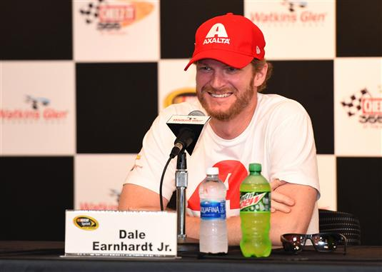 Auto racing | Earnhardt 'not ready to quit' after injuries