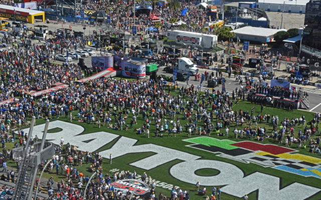 During pre-race activities, a huge crowd assembled on infield grass.  [Joe Jennings Photo]