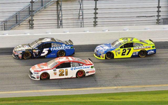 Ryan Blaney inside Kasey Kahne followed by Paul Menard.  [Kim Kemperman Photo]