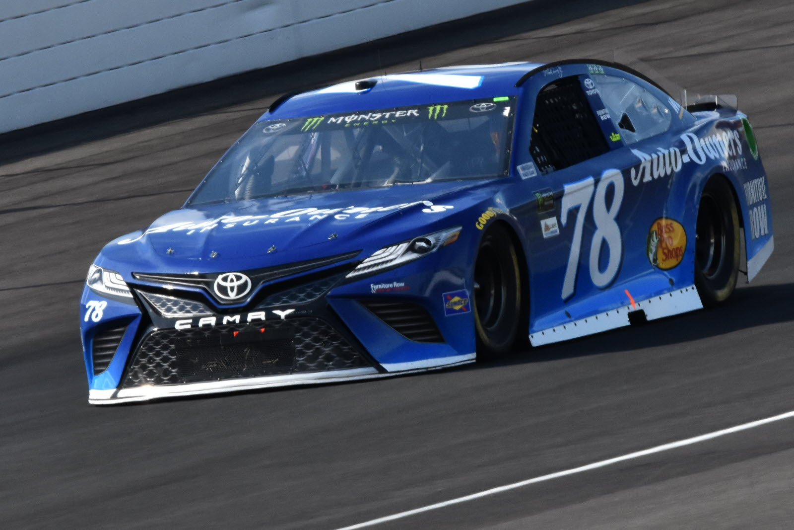 Truex Jr. Qualifies 2nd, Jones 10th for Southern 500