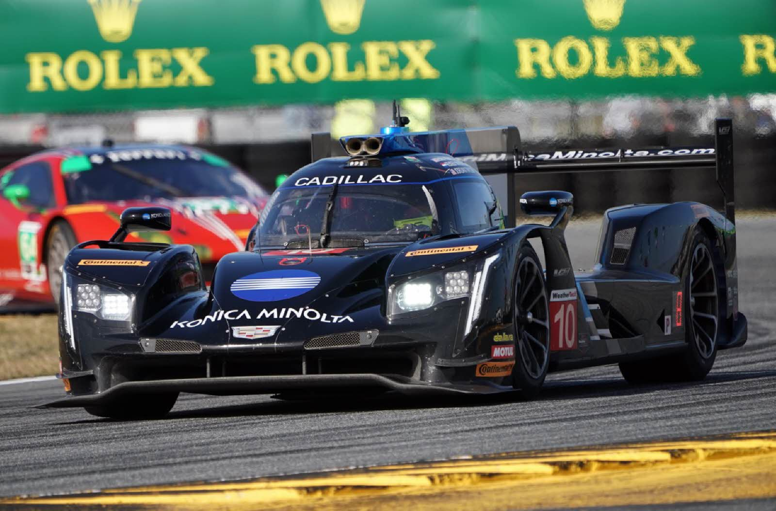 Castroneves, Acura strike next in Daytona 24 second practice