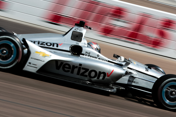 Josef Newgarden at speed in the Desert Diamond West Valley Casino Phoenix Grand Prix. [credit Andy Clary / Spacesuit Media]