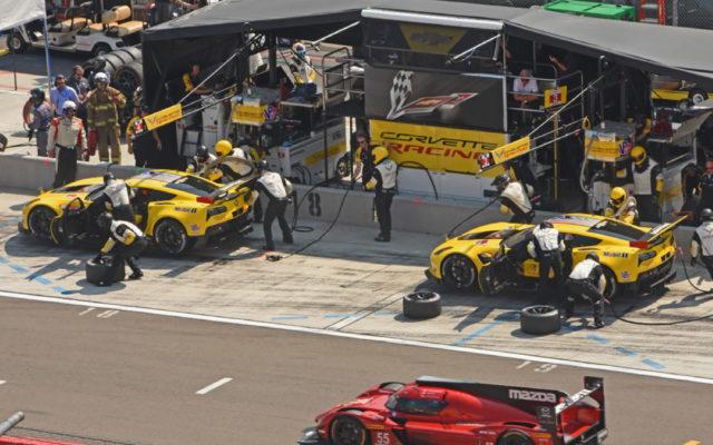 Corvettes pit at same time. [Joe Jennings Photo]