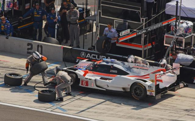 Montoya/Cameron pit stop for Team Penske. [Joe Jennings Photo]