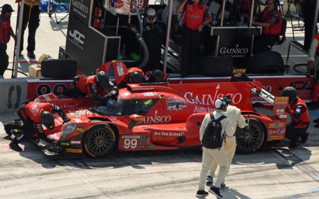 Winning car pits. [Joe Jennings Photo]