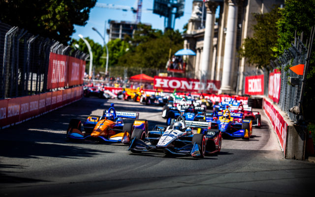 Simon Pagenaud and Scott Dixon lead the field in Toronto.  © [Andy Clary/ Spacesuit Media]