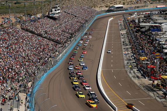 NASCAR action at the Phoenix International Raceway. [Credit: Lachlan Cunningham/Getty Images]