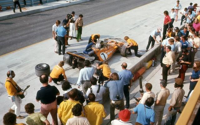 Denny Hulme, US Grand Prix 1971.  [Photo by Jack Webster]