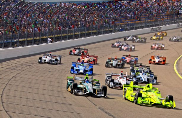 Polesitter Simon Pagenaud leads the field at the start of the tVerizon IndyCar Series Iowa Corn Indy 300. [Pete Klinger Photo]