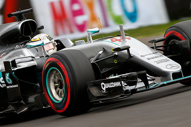 Lewis Hamilton wins the 2016 Mexico Grand Prix. [Photo courtesy Autódromo Hermanos Rodríguez]