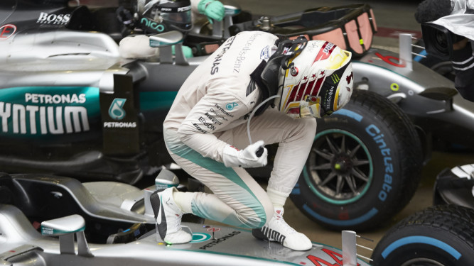 Lewis Hamilton celebrates victory in the 2016 Brazilian Grand Prix. [Photo courtesy Mercedes AMG F1]