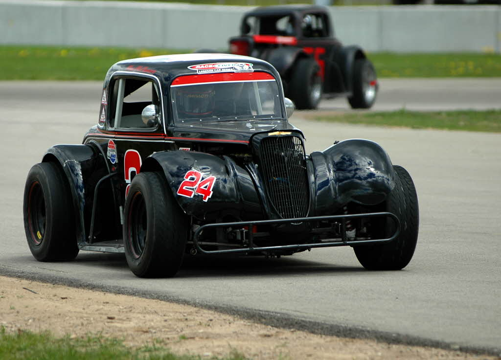 Legend Race Cars Meeting The Need For Inexpensive Racing