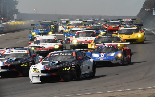 Tightly bunched GT field takes the green flag.  [Joe Jennings Photo]