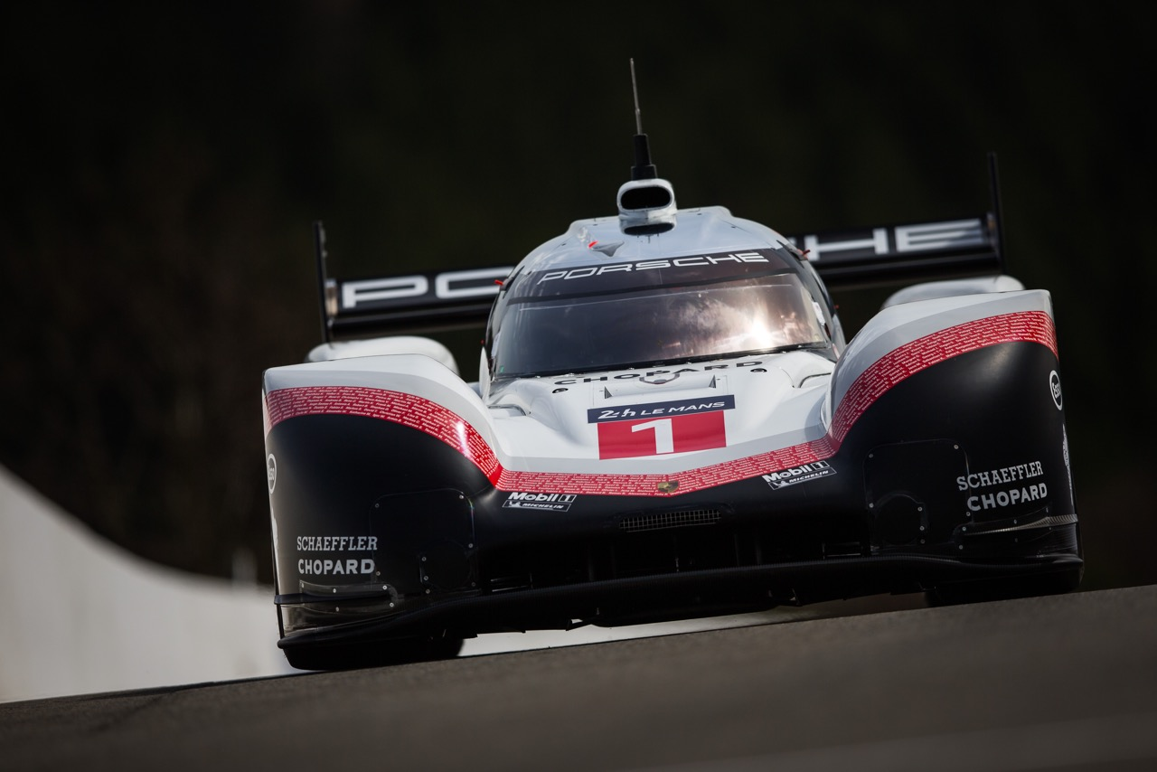 Porsche 919 Hybrid setting all time track record at Spa. [photo by Porsche Motorsport]