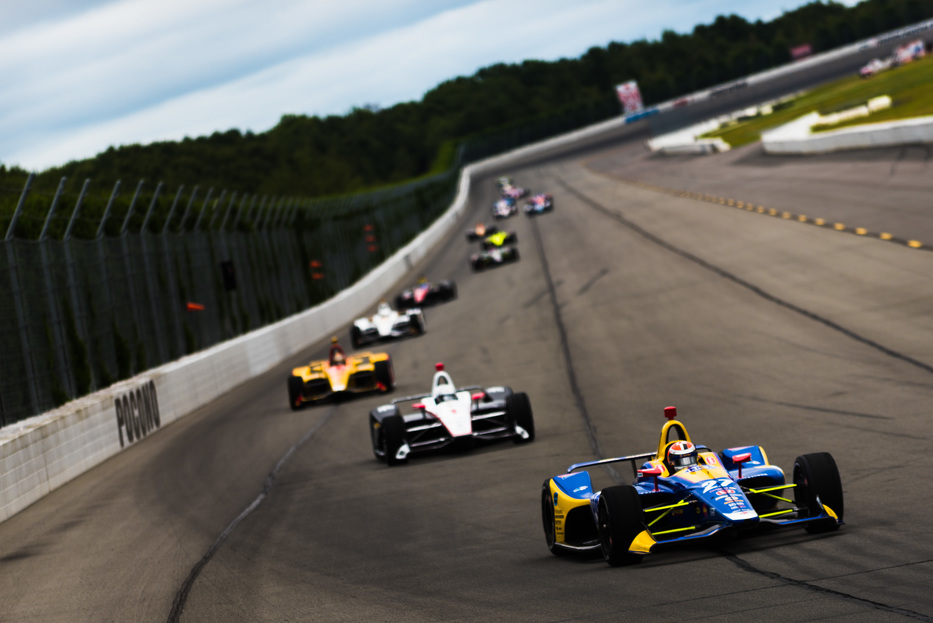 Alexander Rossi leads the field at Pocono Raceway. © [Jamie Sheldrick / Spacesuit Media]