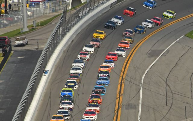 Field of 40 cars about to take green flag.  [Joe Jennings Photo]