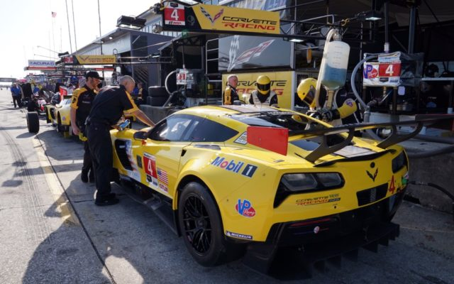Corvette pits.  [Photo by Jack Webster]
