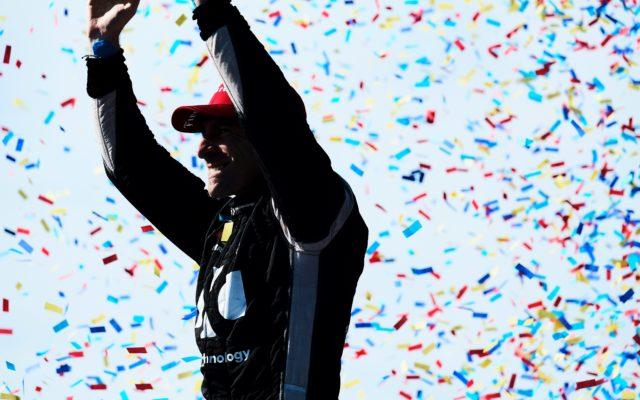 Simon Pagenaud celebrates victory in Toronto.  © [Jamie Sheldrick/ Spacesuit Media]