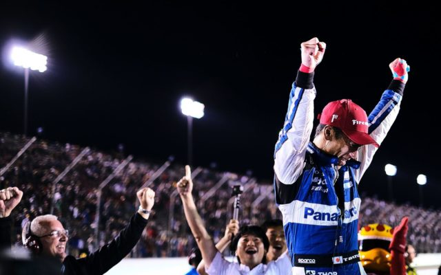 An emotional win for Takuma Sato at the World Wide Technology Raceway at Gateway.  © [Jamie Sheldrick/ Spacesuit Media]