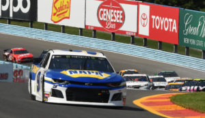 Start of race with Chase Elliott in command of the field as he powers through the esses. [Joe Jennings Photo]