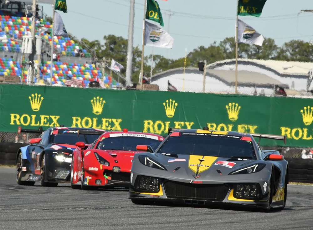 No. 4 Corvette leads Ferrari and BMW in early going. [Joe Jennings Photo]