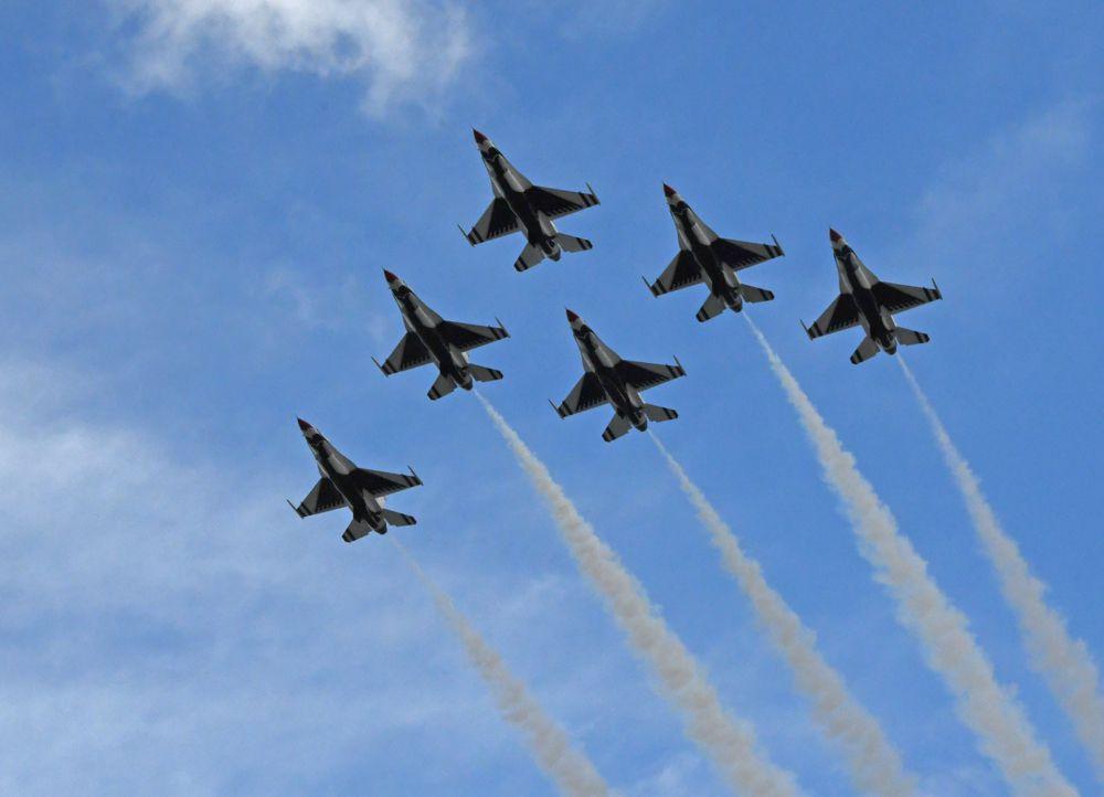 USAF Thunderbirds perform flyover for 11th year. [Joe Jennings Photo]