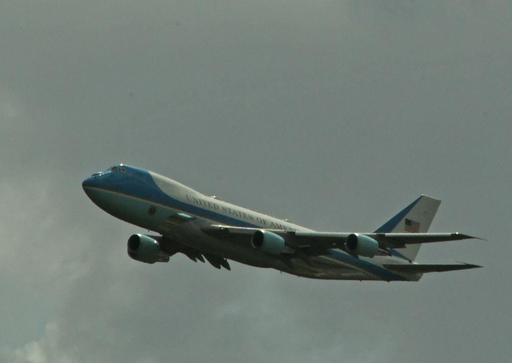 Air Force One arrives in Daytona. [Joe Jennings Photo]