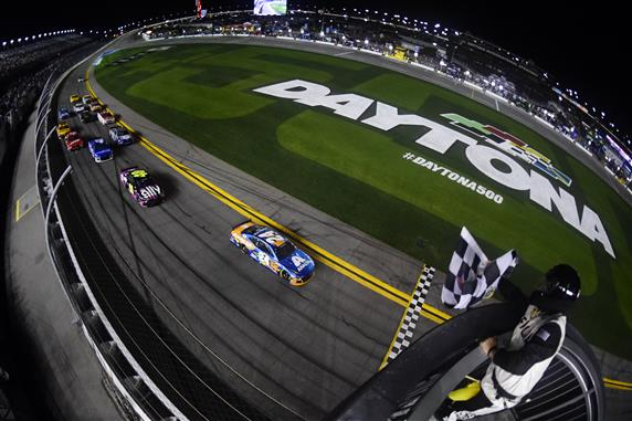 William Byron crosses the finish line to win the NASCAR Cup Series Bluegreen Vacations Duel 2 at Daytona International Speedway. [Credit: Jared C. Tilton/Getty Images]