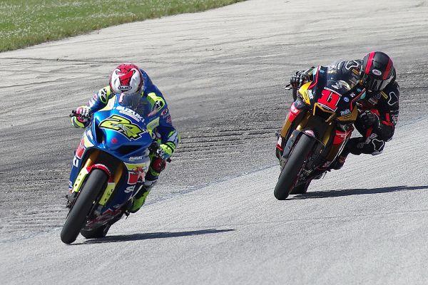 Moto America Super Bike #24 Tony Elias, #11 Matthew Scholtz. [Roy Schmidt photo]