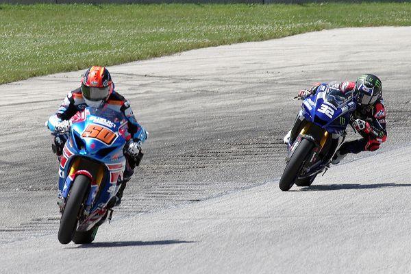 Moto America Super Bike #50 Bobby Fong, #32 Jack Gagne. [Roy Schmidt photo]