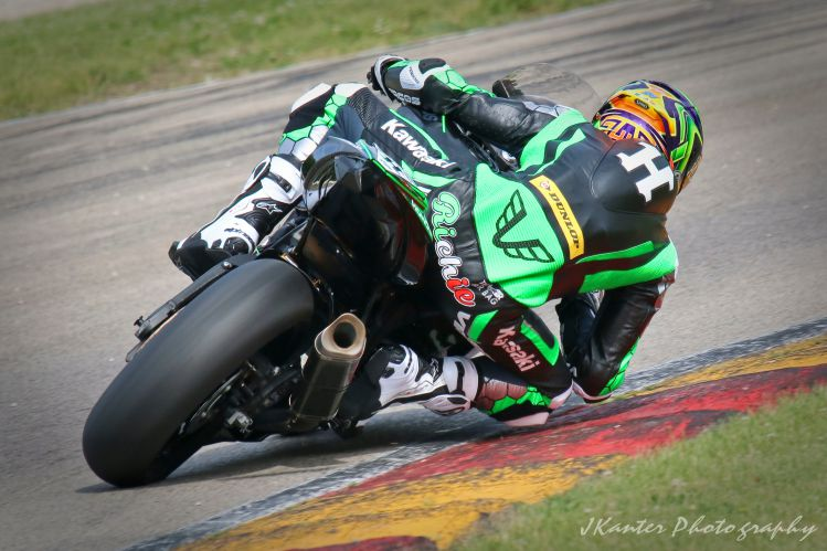 Richie Escalante leading winning race 1. [Jon Kanter photo]