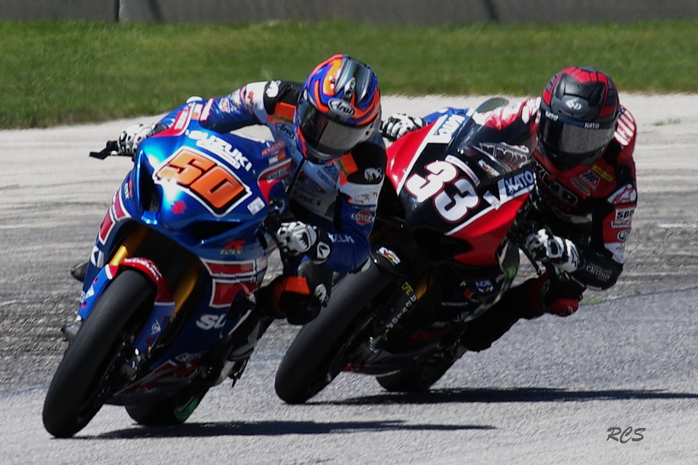 #50 Bobby Fong and #33 Kyle Wyman in Super Bike. [Roy Schmidt Photo]