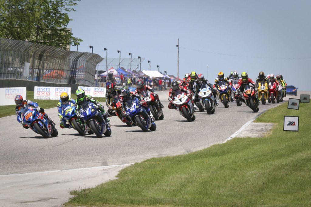 The start of Superbike Race 2 on Sunday. [Jon Kanter Photo]