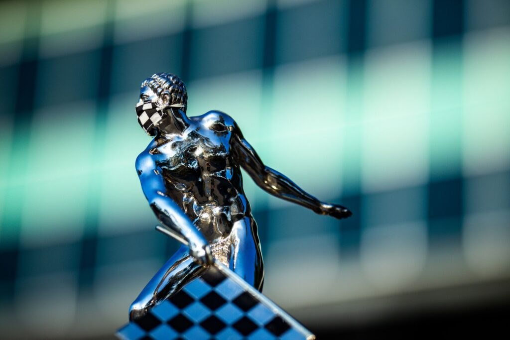 Borg-Warner Trophy © [Andy Clary/ Spacesuit Media]