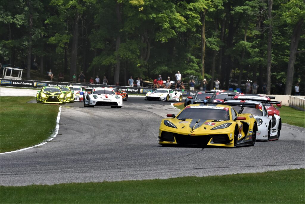 Corvette leads GTLM at the start of the race at Road America. [John Wiedemann Photo]
