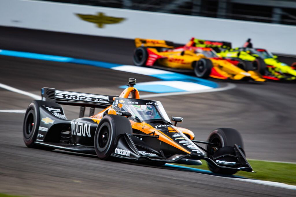 Pato O'Ward races ahead of a tight battle between Ryan Hunter-Reay and Santino Ferrucci. © [Kenneth Midgett/ Spacesuit Media]
