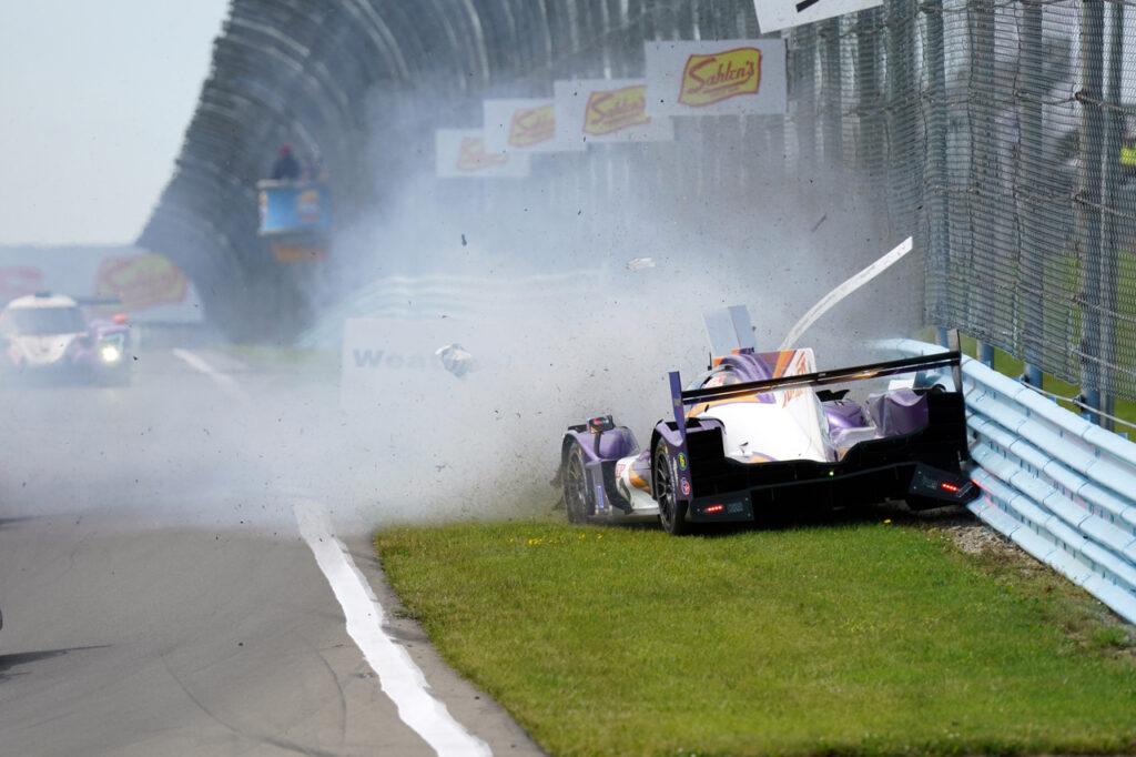 Incident at the start. [Jack Webster photo]
