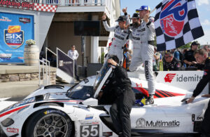 Race winning Mazda squad. [Jack Webster photo]